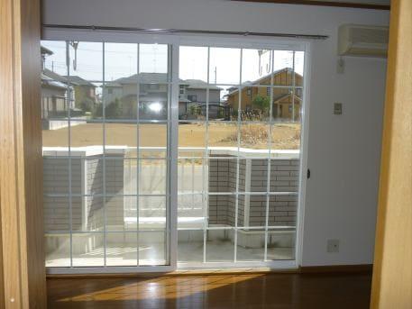 ベルフラワーF 01020号室の居室