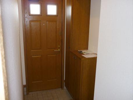 ベルフラワーF 01020号室の玄関