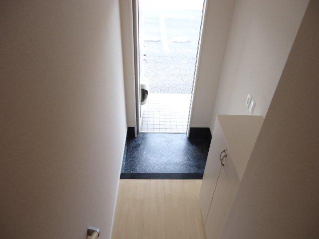 メルヴェイユ 201号室の玄関