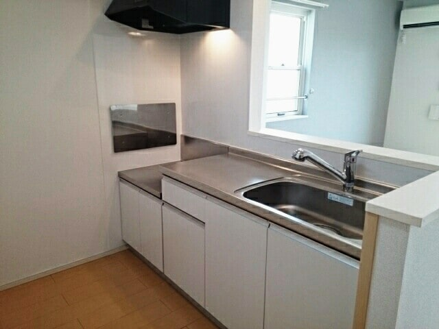 メゾン・ルーチェ Ⅰ 02030号室のキッチン