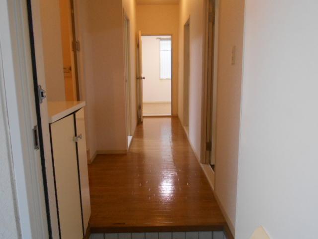フレグランス井野 103号室の玄関
