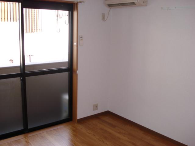 リバティーハイツ・エビハラ 101号室の居室