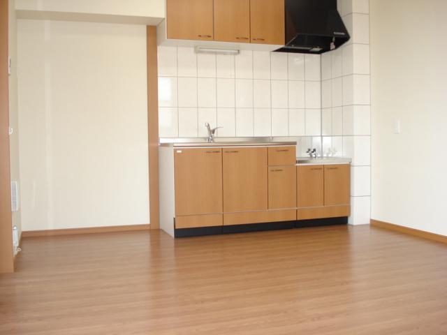 Tida Square NAMIKI 201号室のリビング