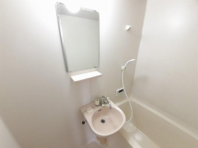 サンプレイス 02010号室の風呂
