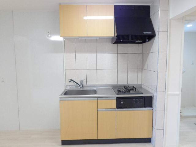 チェリーヒルズⅢ 103号室のキッチン