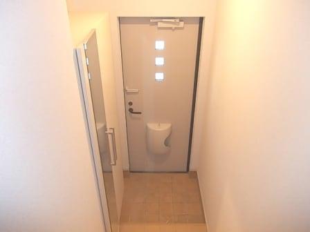 マ・シェリⅠ 02030号室の玄関
