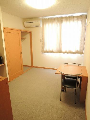 レオパレス里Ⅱ 206号室のリビング