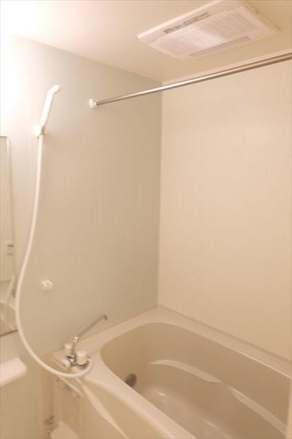 カーサ・ステラ 02010号室の風呂