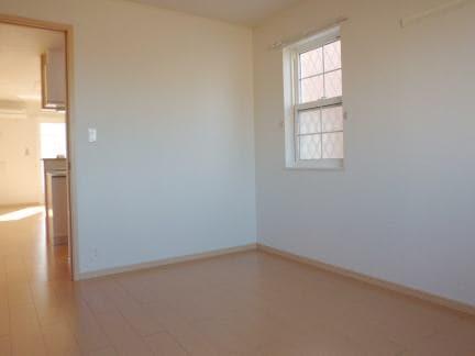 クレセールA 01010号室の居室