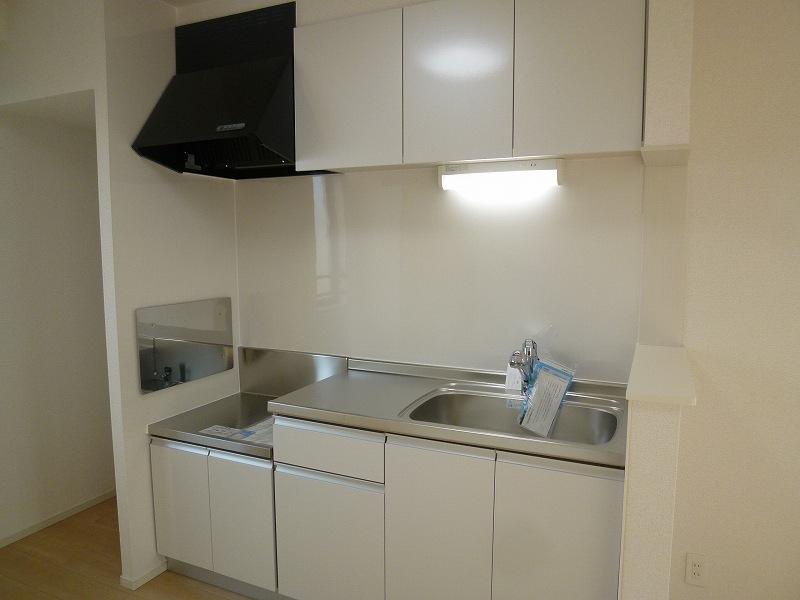 ウィステリア ヴィラ 03010号室のキッチン