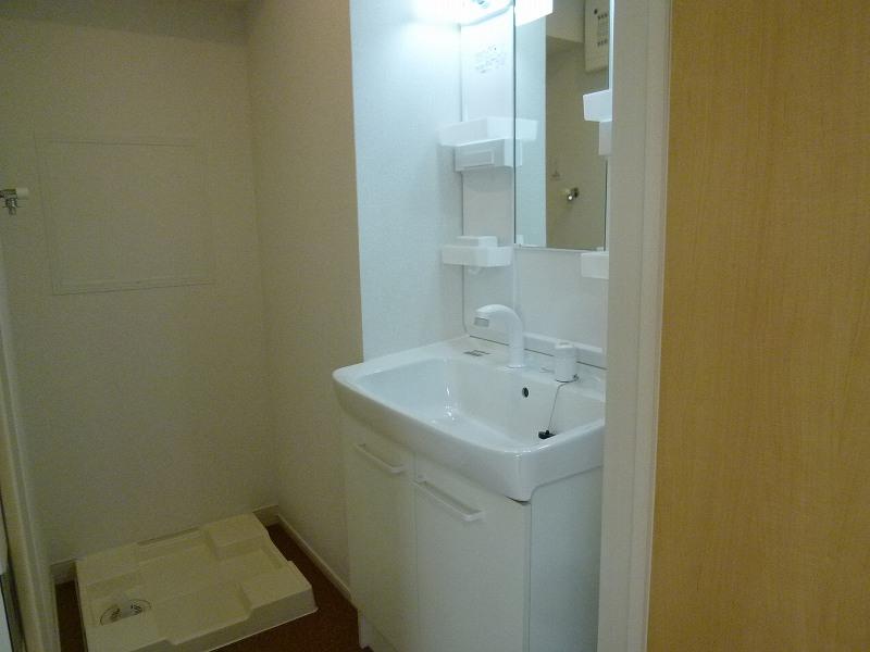 ウィステリア ヴィラ 03010号室の洗面所