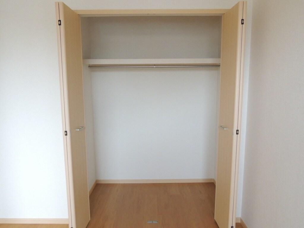 サンプレイス 02030号室の収納