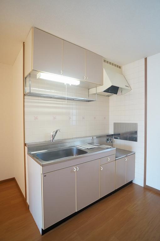 イーストコート 02020号室のキッチン