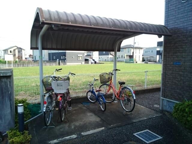フォレパルク 02030号室の駐車場