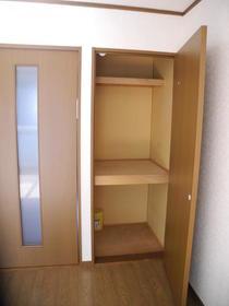 エムエイガーデン 203号室の収納