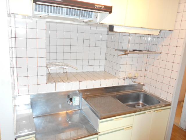 エクシード西谷 502号室のキッチン