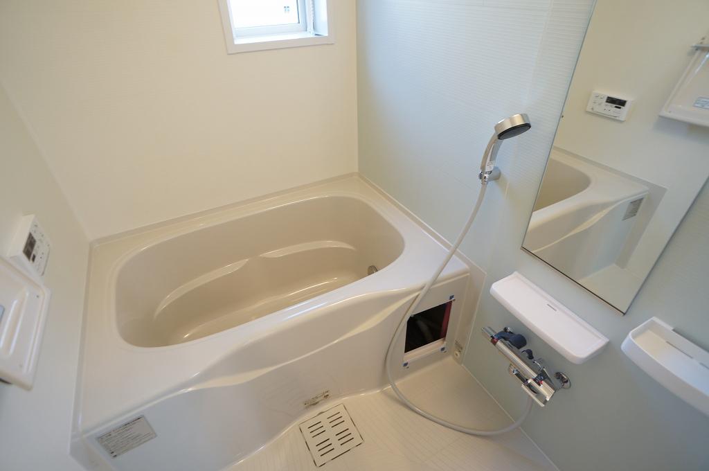 アイフィールドⅡ番館 01020号室の風呂
