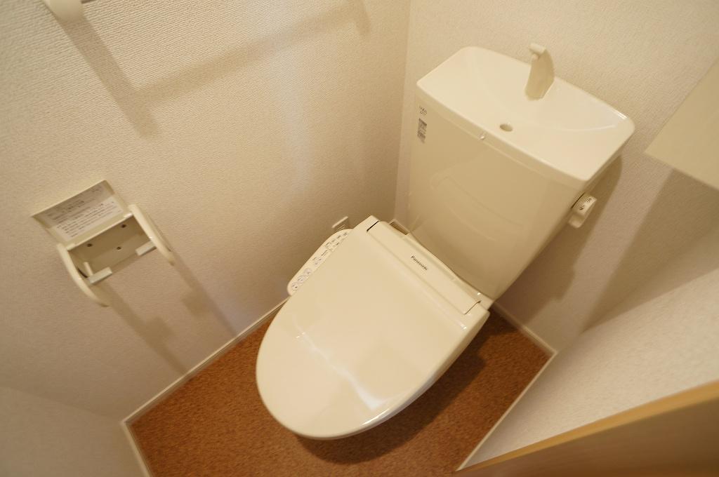 アイフィールドⅡ番館 01020号室のトイレ