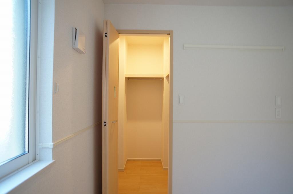 アイフィールドⅡ番館 01020号室の収納