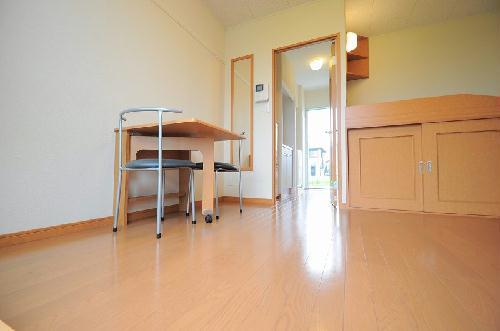 レオパレスKSM21 203号室の居室