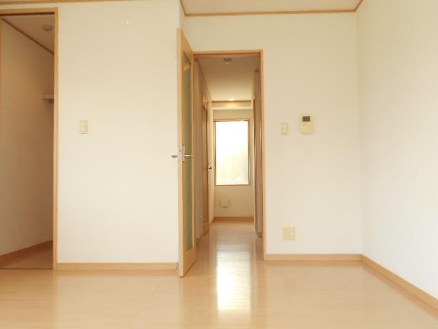 ジ・アパートメント下堀 104号室の居室