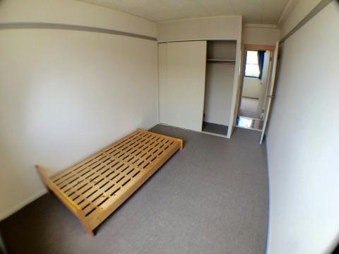 レオパレスサザンクロス 108号室のベッドルーム