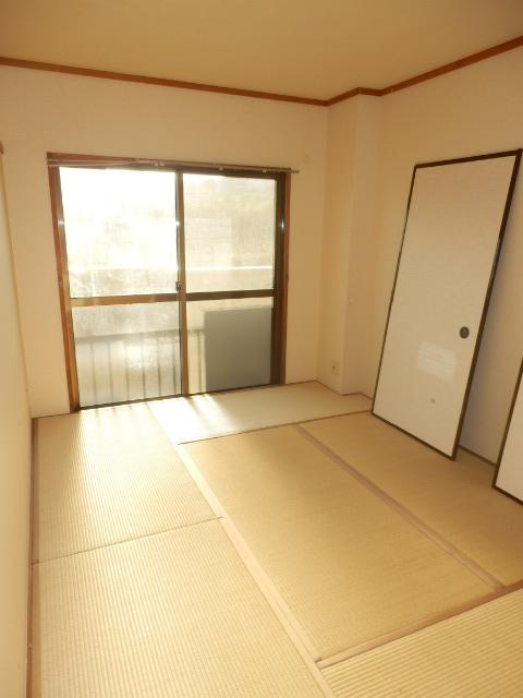 グランベールヨシミ 201号室の居室