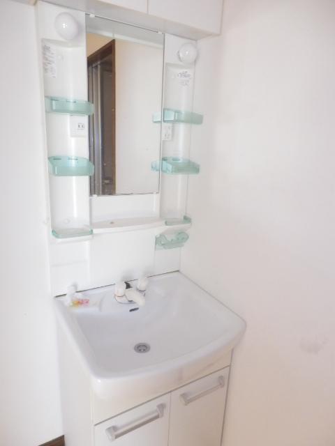 グランベールヨシミ 201号室の洗面所
