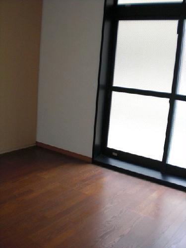 レオパレスラ・フォンティーヌ 102号室のリビング