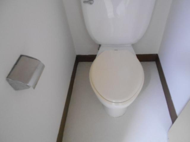 ファミール扇町 301号室の洗面所