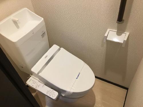 クレイノ優 203号室のトイレ
