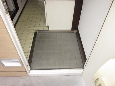 メゾン峰岡 205号室のバルコニー