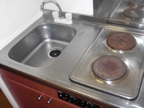 レオパレスウエスト 201号室のキッチン