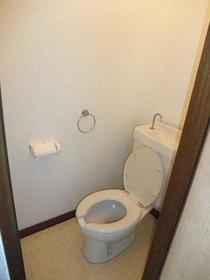 向陽コーポ 201号室のトイレ
