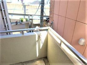 パレス和田町 202号室のバルコニー