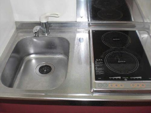 レオパレスエンボーダ 102号室のキッチン