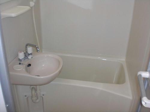 レオパレスエンボーダ 102号室の風呂