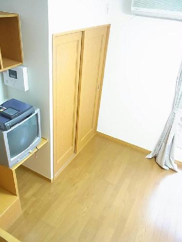 レオパレスN 102号室の収納