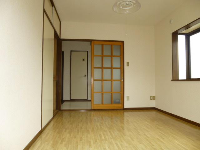 コーポ長崎 302号室の居室