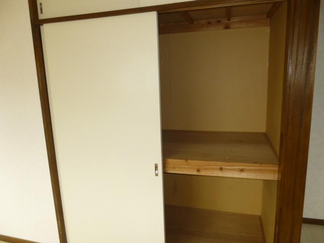 コーポ長崎 302号室の収納