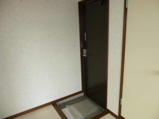 コーポ長崎 302号室の玄関