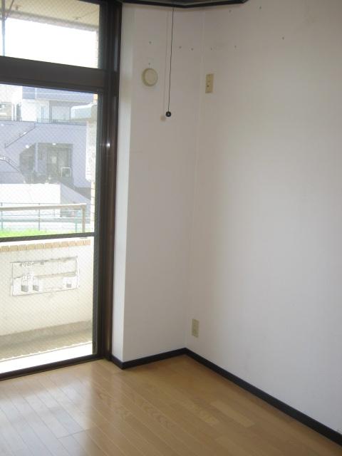 アローエスタ 302号室のバルコニー