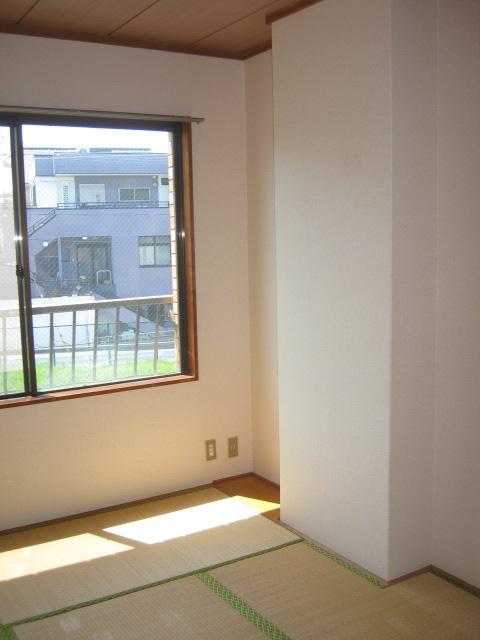 アローエスタ 302号室の居室