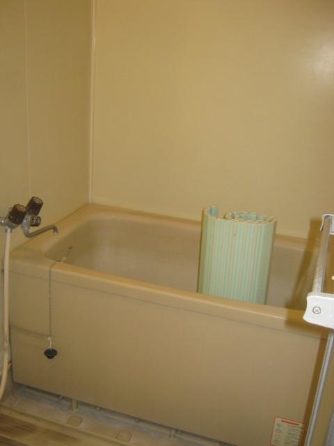 アローエスタ 302号室の風呂