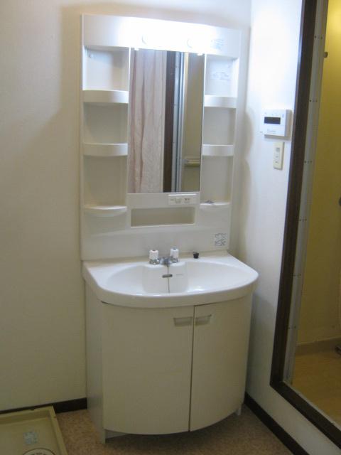 アローエスタ 302号室の洗面所