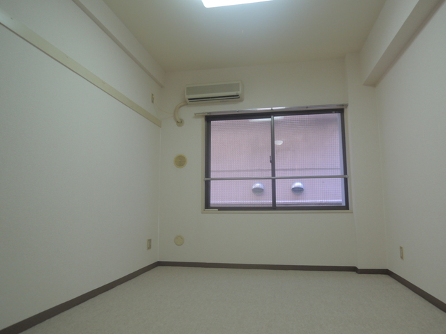 日神パレステージ亀戸第2 1002号室のリビング