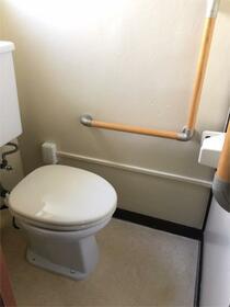 左近山団地2街区1号棟 401号室のトイレ
