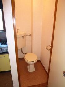 山和ハイツ 203 203号室のトイレ