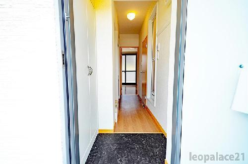 レオパレスメルベーユ原宿 204号室の玄関