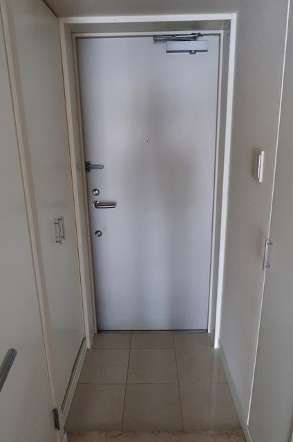メゾン両国 205号室の玄関